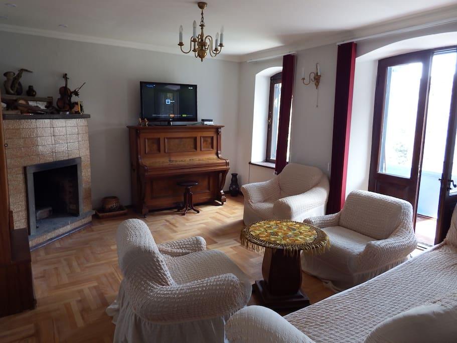 гостинная  living room