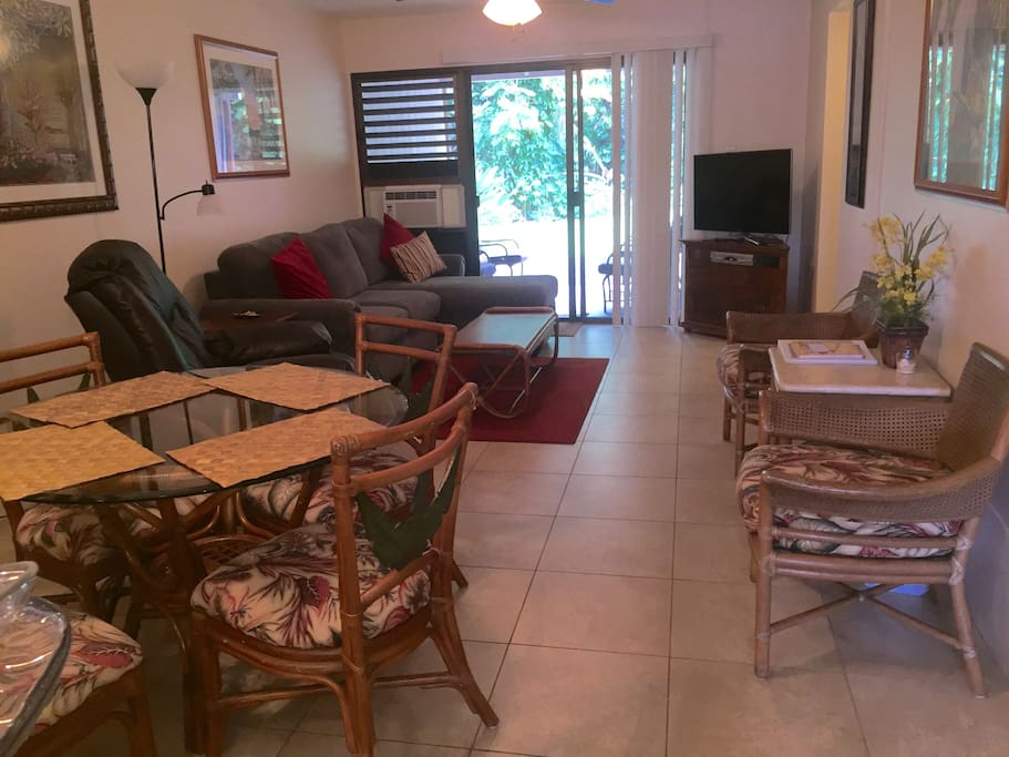 Living area with door out to lanai