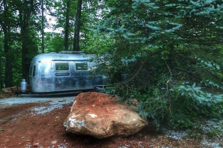 Vintage Airstream - Stockbridge - Camper/RV
