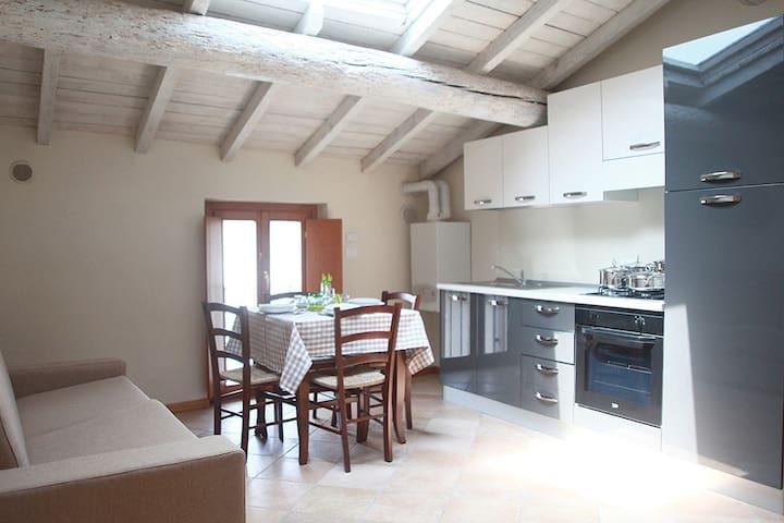 Pozzolengo #5 Corte Rosa: Trilocale 5 posti letto - Cavriana - Lägenhet