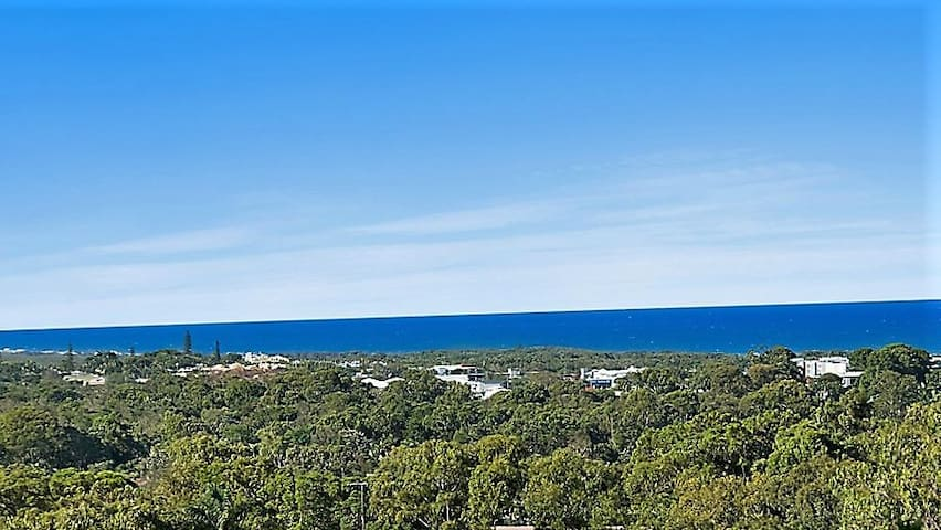 Coolum Beach Treehouse Retreat PANORAMIC Sea Views
