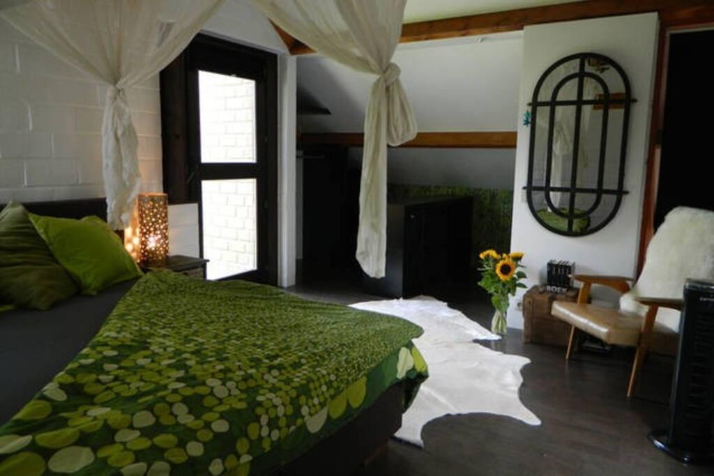 Sleepingroom with balcony