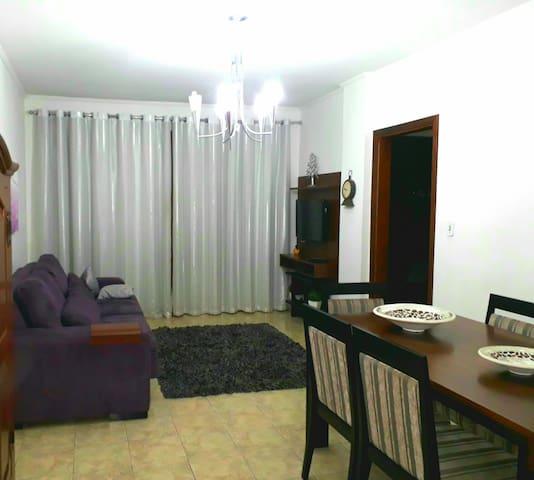 Apartamento confortável, ótima localização