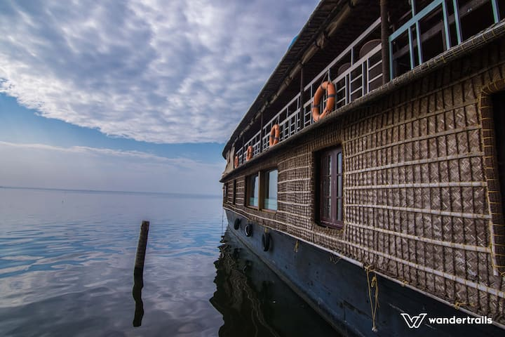 2 Bedroom Houseboat in Alleppey - Muhamma - 배