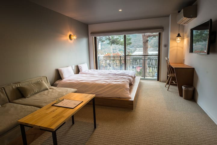 Gora station 1min /Twin room /BAR /ONSEN /PINGPONG