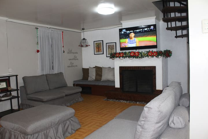 Cozy 5 Bedroom Home with Fireplace in Baguio City