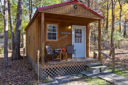 Beautiful & Cozy Backyard TINY HOUSE Near Downtown