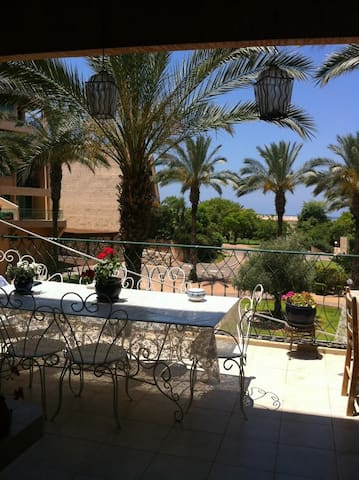 Joli appart dans residence golf - Césarée