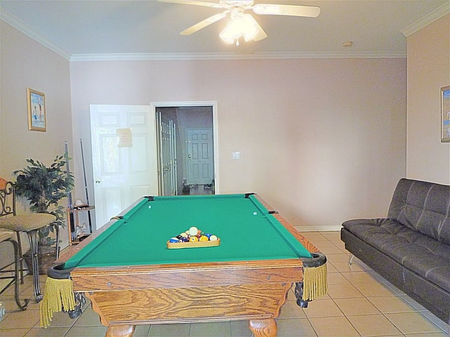 A fun-filled vacation with a pool table, 2nd fridge, and a game of football ( 1st- floor)