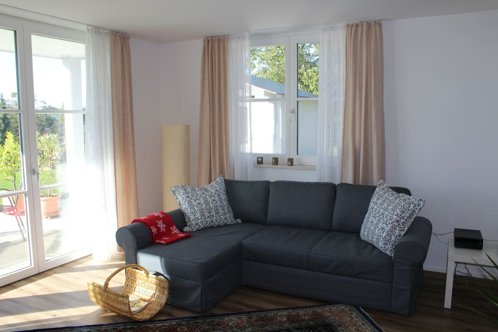 Wohnzimmer / Livingroom with Sofabed