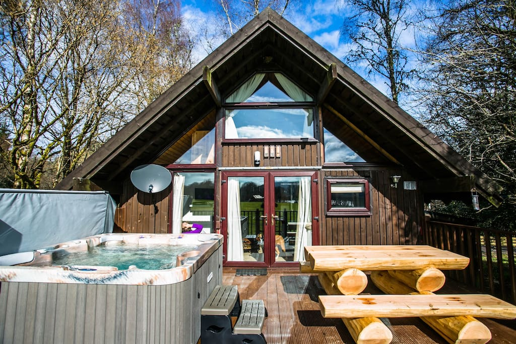 Feorag ruadh log cabin dalavich hot tub sauna Log cabins with hot tubs scotland