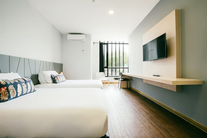 [City View] 2 Super Single Beds for Travel Buddies