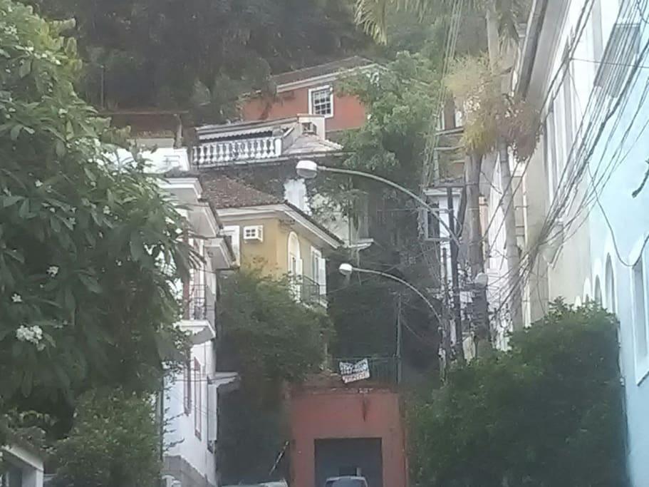 Casa em rua sem saída.