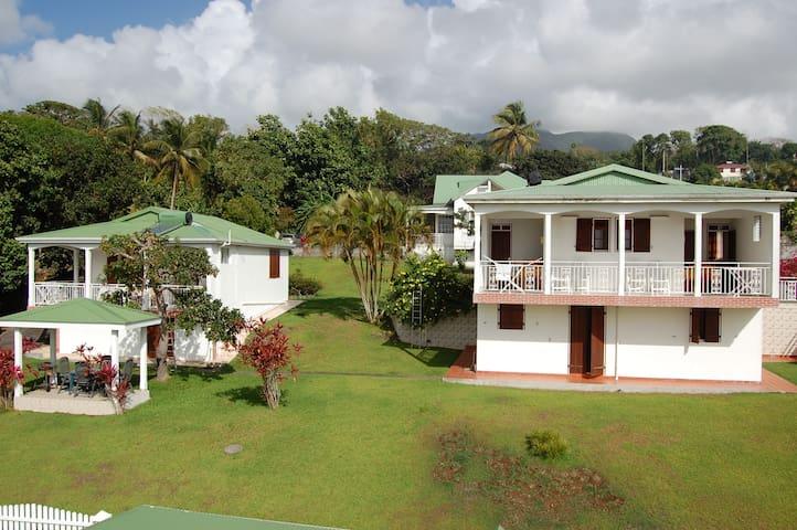 bungalow les gîtes de case a miel 3 - Trois rivieres  - Appartement
