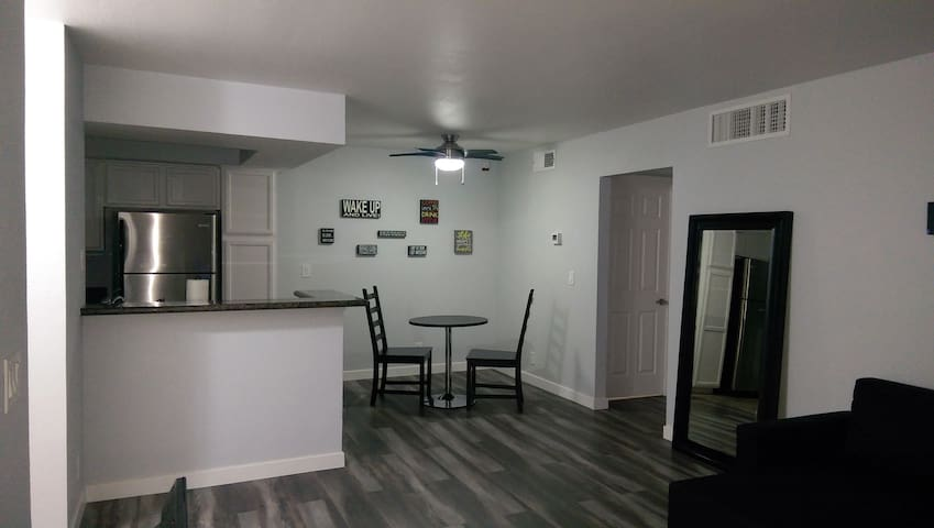 DISINFECTED!! Newly Remodeled Condo Near The Strip