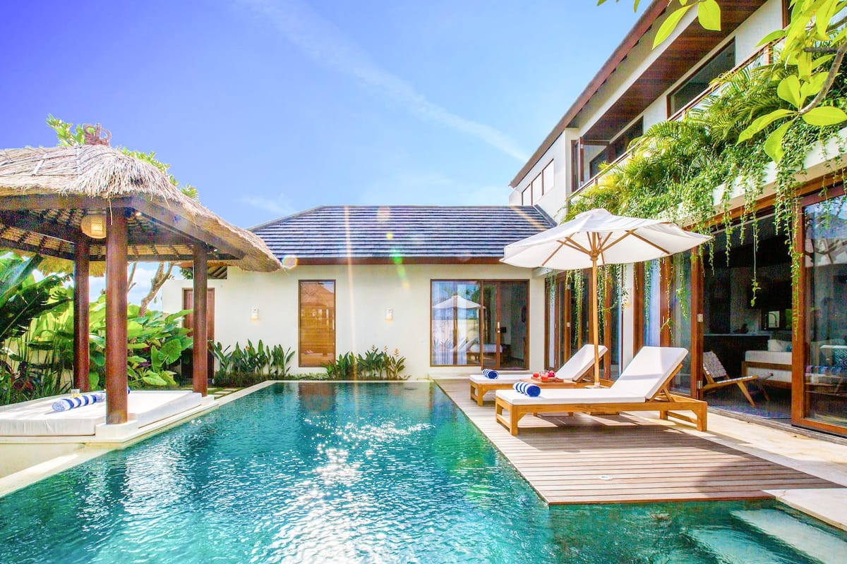 Tropical Canggu Villa on Ricefield near the Beach