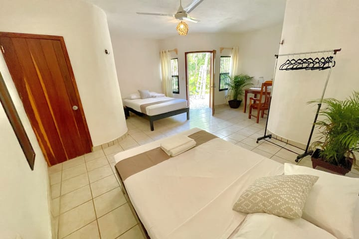 Casa Umay - Private Room 4 - A/C and Garden view