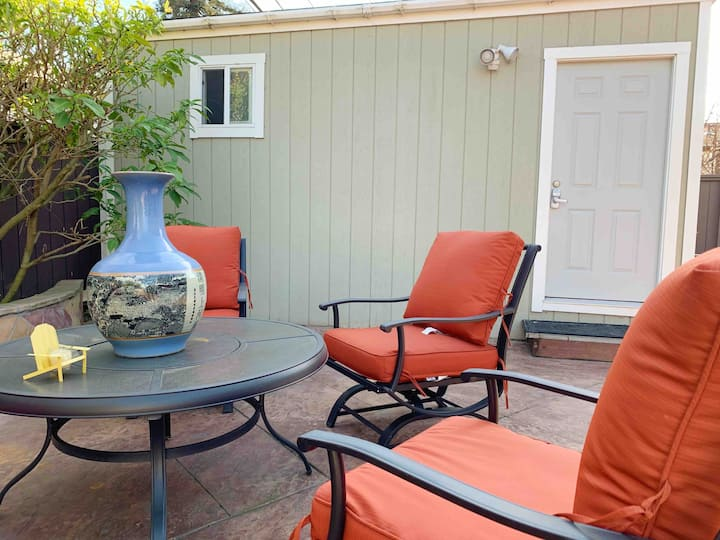 Heart of Bay Area: Convenient & Private Guesthouse