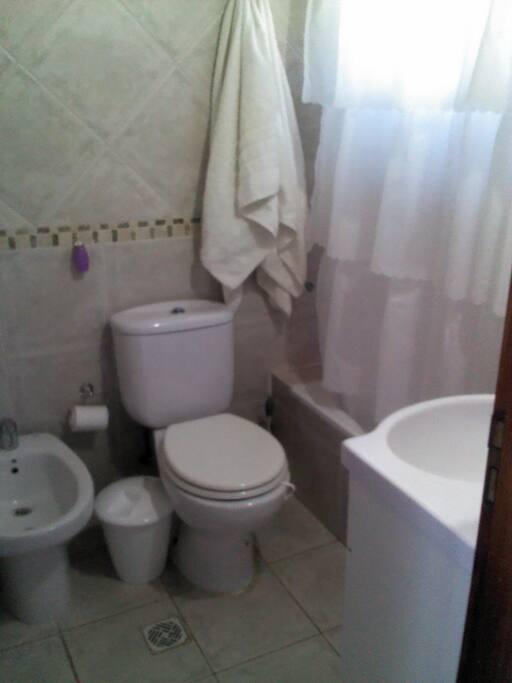 Baño completo c/bañera y bidet