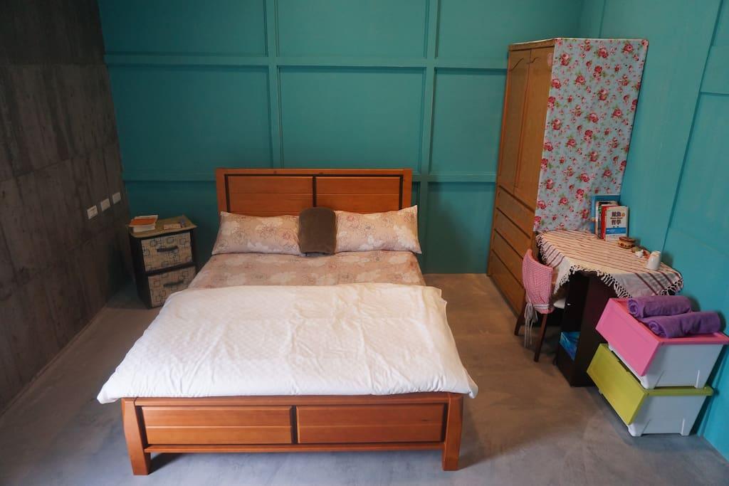 Charming room in Mei House!  美式工業風/歐風佈置