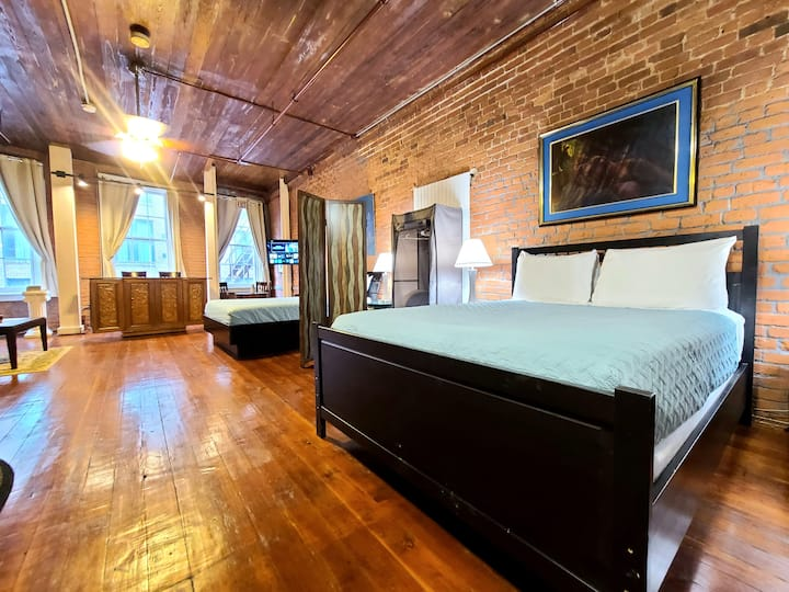Exposed Brick & Hardwood Downtown New Orleans