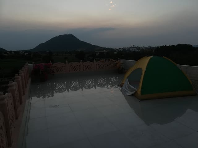 Tent Stay At Cafe The Wall