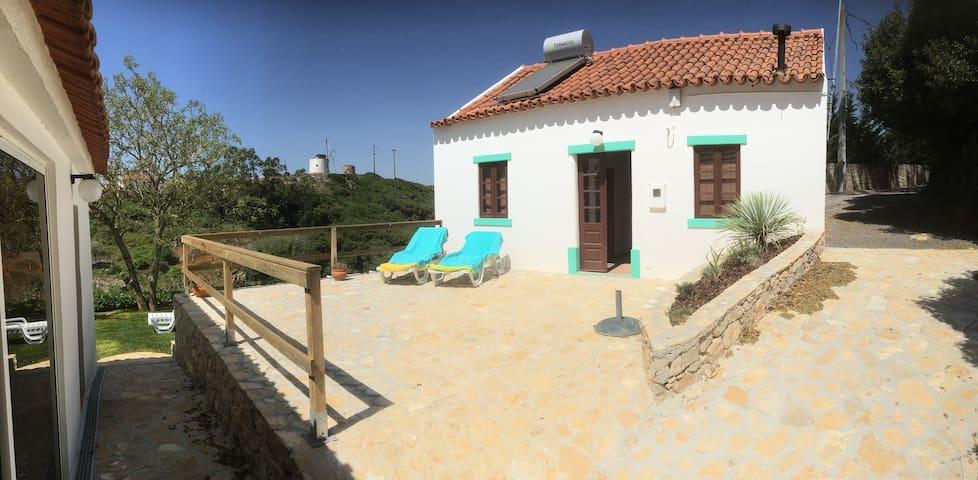 Typisch Portugees huis met uitzicht - Reguengo Grande - Houten huisje