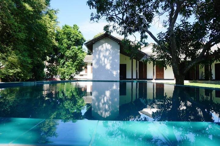 Beautiful room with swimming pool