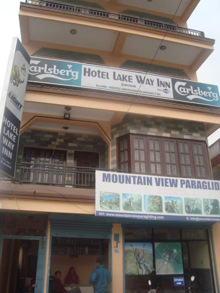 like to stay at Hotel lakeway Inn