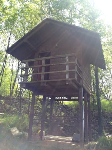 Charming little treehouse - Viškovo, (Mladenići) - Treehouse