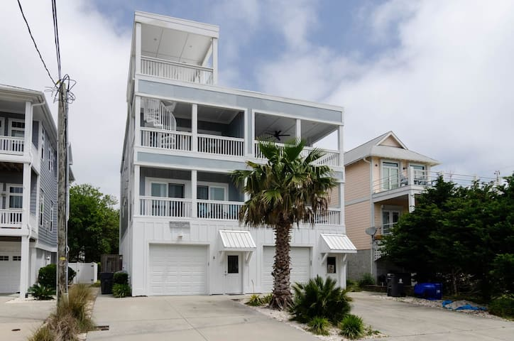 Shellee's LegaSea-Take a retreat in this gorgeous private home with ocean views!!