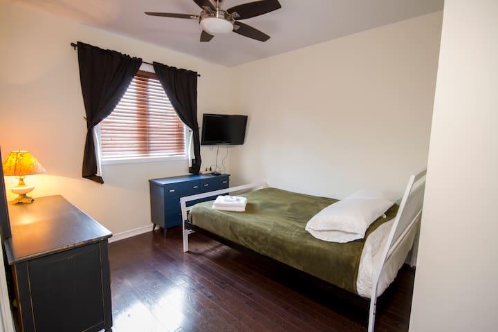 Nice Room Queen Bed Beautiful Home
