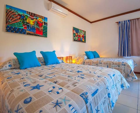 NO FEES  - Private Room 2 QUEEN, A/C, WIFI, TV
