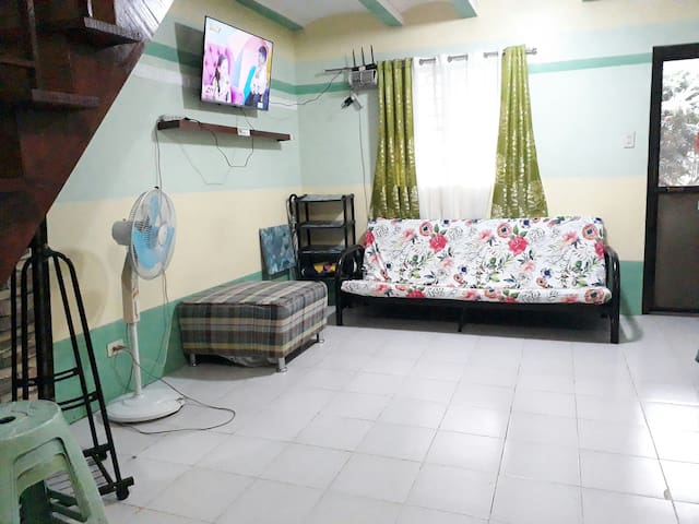 Montalban GuestHouse: 2 BR+7pax+Netflix+WiFi+Games