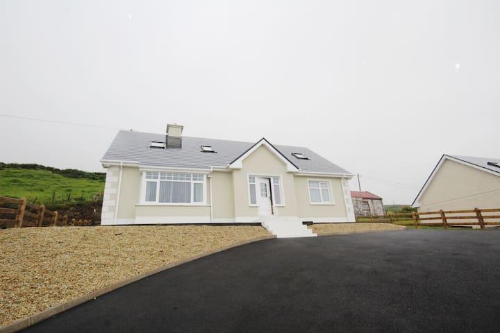 Stunning house overlooking the Atlantic Ocean
