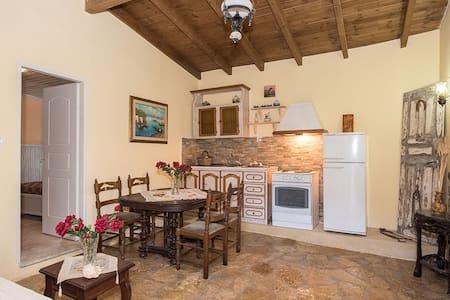 Villa Argo -  familiäre Villa in Strandnähe für bis zu 6 Personen in Agios Gordios