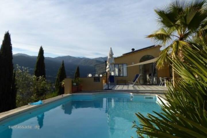 Villa Serena mit Pool, Meerblick, 6 km vom Strand