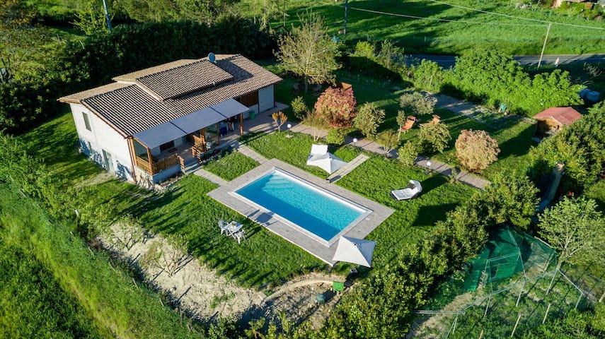 Villa con piscina a 5 minuti dal lago di Bolsena