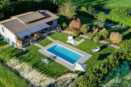 Villa con piscina a 5 minuti dal lago di Bolsena - Province of Viterbo - Villa