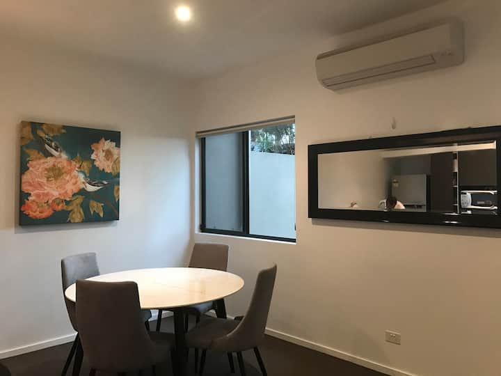 Coffs- Room, safe and private
