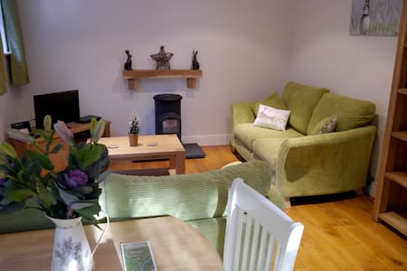 Cosy Cottage in Brockenhurst Village Centre
