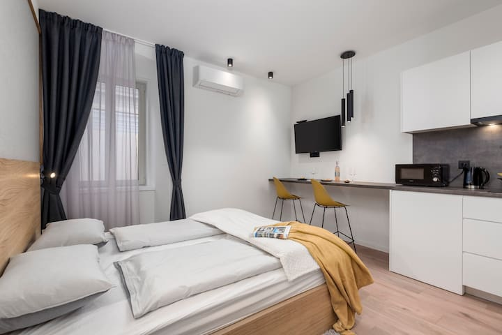 """Deluxe apartment """"In the Center 3"""""""