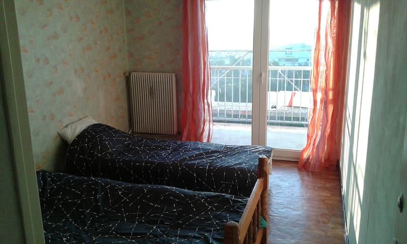 Chambre sud-ouest 2 lits Balcon Belle Vue, tram - Montpellier - Apartament