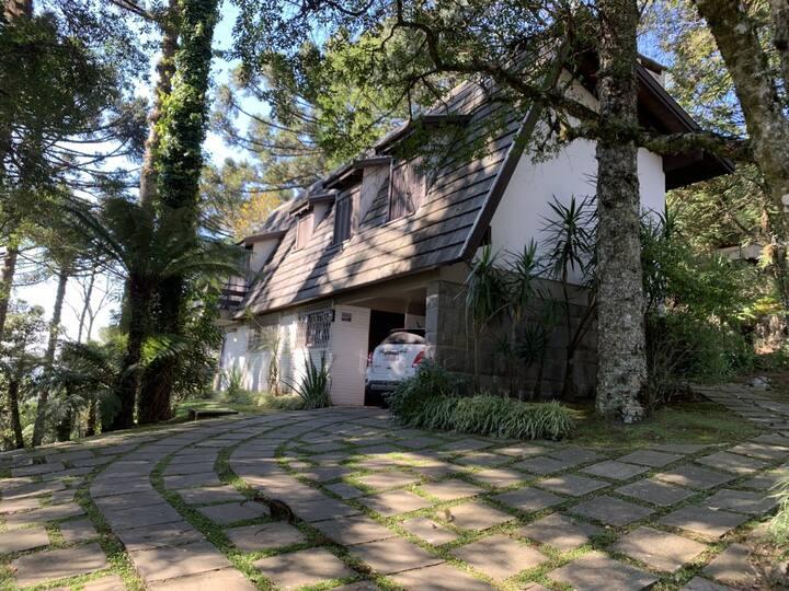 Casa com 3 quartos em Gramado