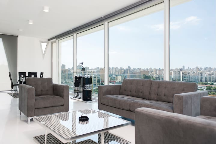 Luxurious Apartment at The Cube (Beirut Views)
