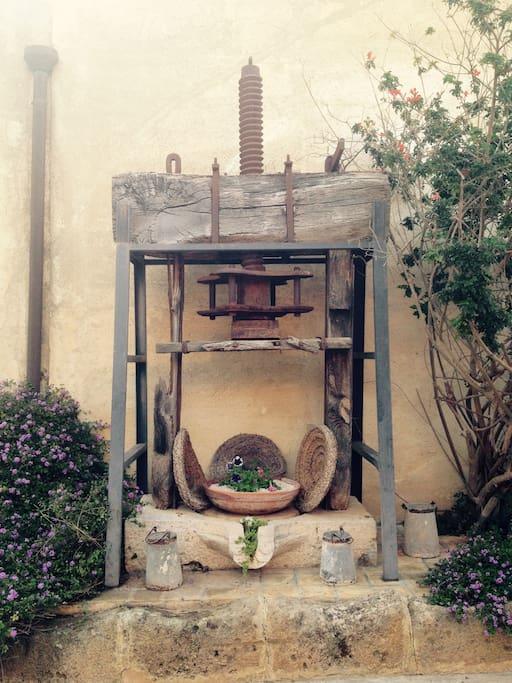 Pigiatrice per le olive 1900
