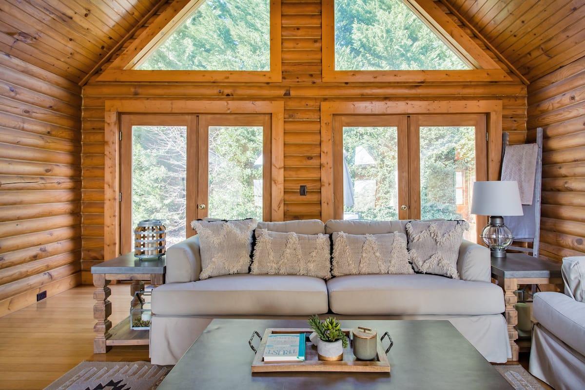 Enchanting Log Home with Rumbling Bald Resort Access