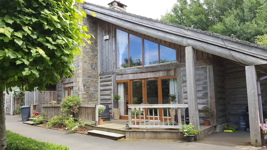Luxury Canadian Wooden Lodge on Golf Course - Kildare - House