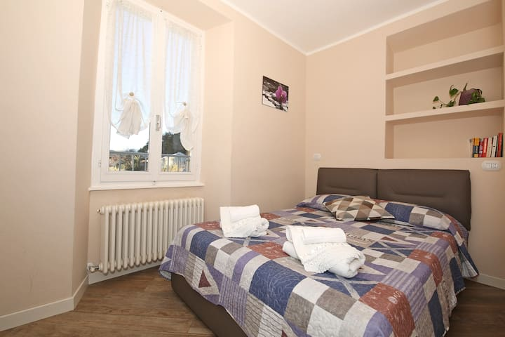 Double room little with double bed 140x190