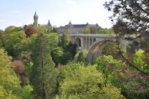 Pont Adolphe au Luxembourg, à 25 minutes en train